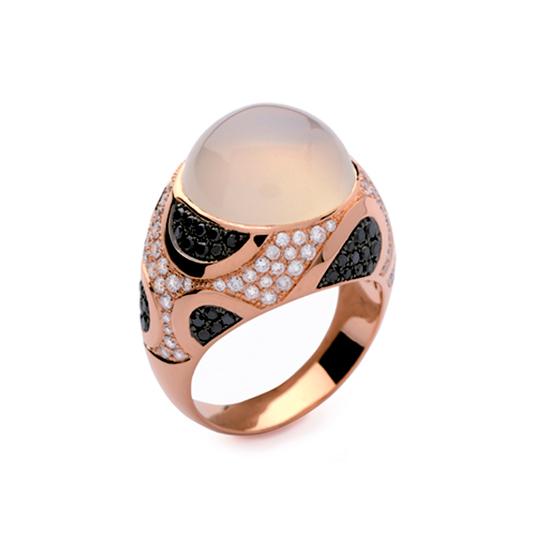 Anillo Oro Rojo con Diamantes Negros y Piedra Luna